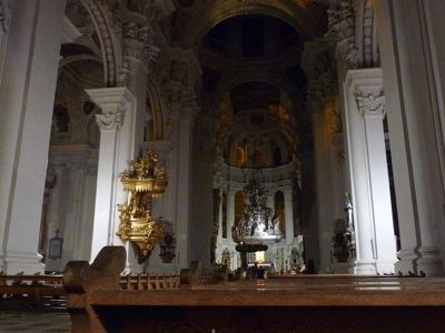 6581044-Dom_The_Cathedral_Passau.jpg