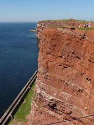 6789412-The_Sandstone_Cliffs_Helgoland.jpg