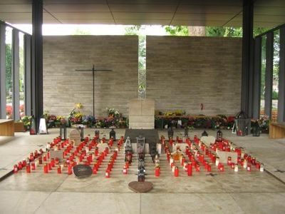 704554124587153-Grave_Chapel..a_Muenster.jpg