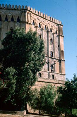 7295438-Norman_architecture_Sicilia.jpg