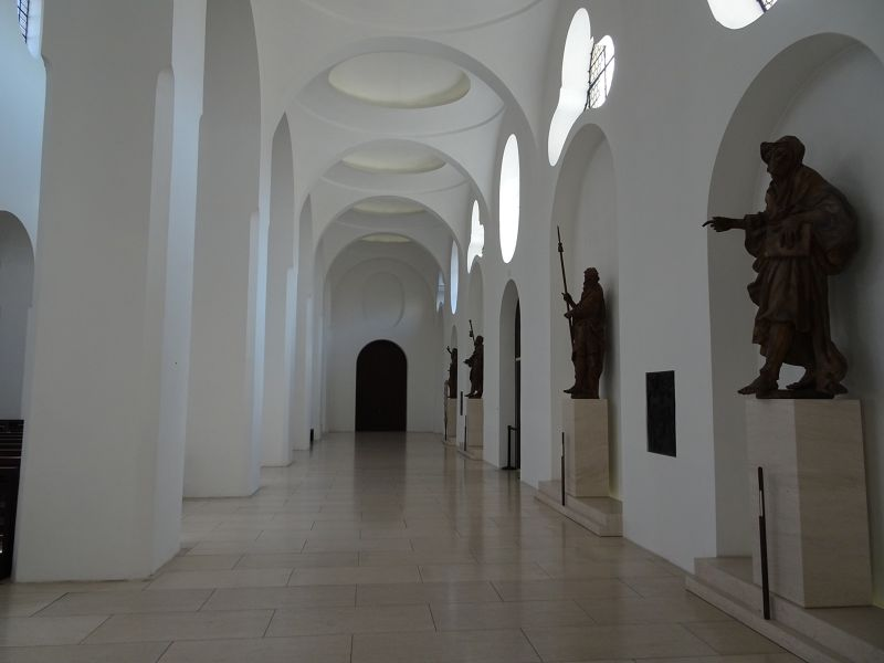 Baroque Apostle statues in the side nave - Augsburg