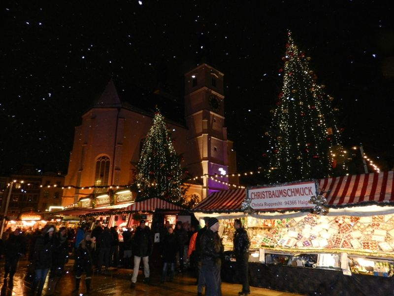 large_284263806464882-Christmas_Ma..Regensburg.jpg