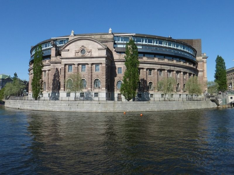 large_303485717195279-Riksdagshuse.._Stockholm.jpg