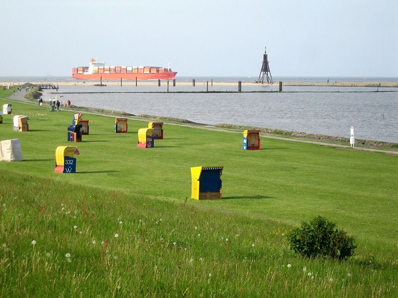 large_444117976809106-On_the_shore..a_Cuxhaven.jpg