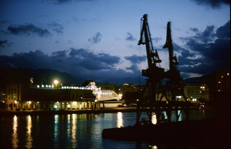 large_453522577295699-On_the_Ferry..mo_Sicilia.jpg