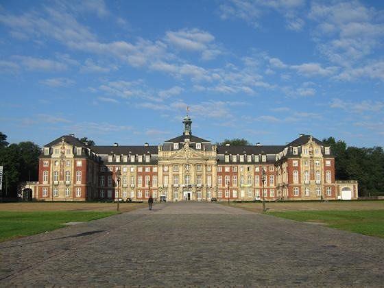 large_4587748-Schloss_Muenster.jpg