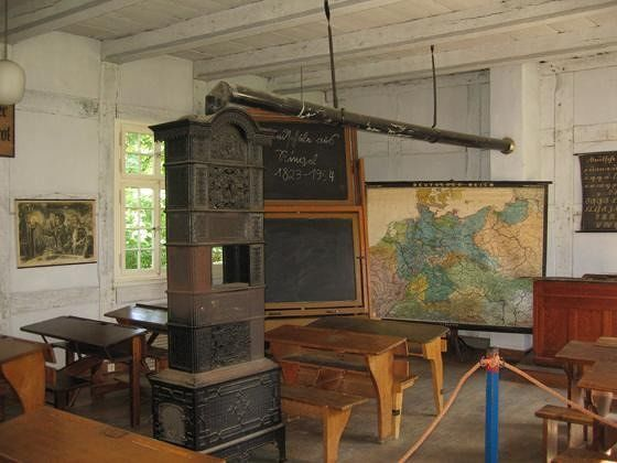 large_4592999-The_classroom_Muenster.jpg