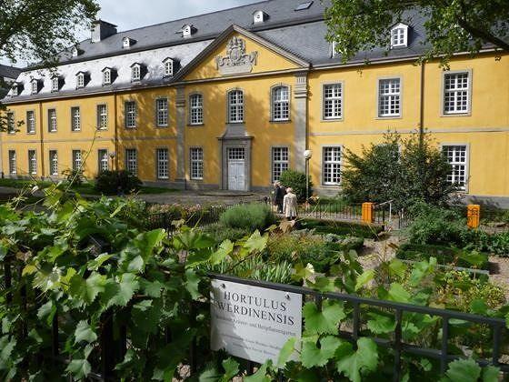 large_46014504908223-Werden_abbey..ings_Essen.jpg