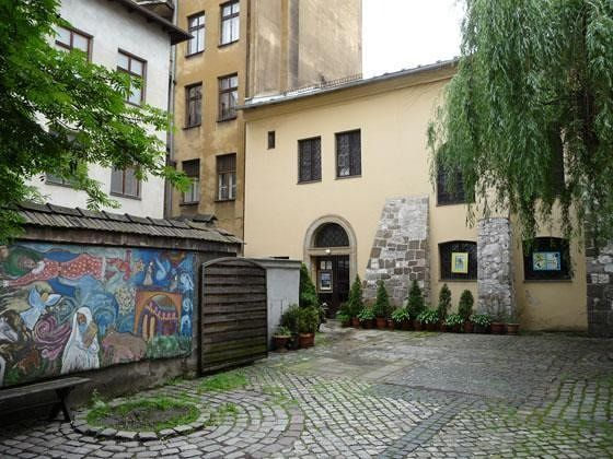 Courtyard of Popper Synagogue - Krakow