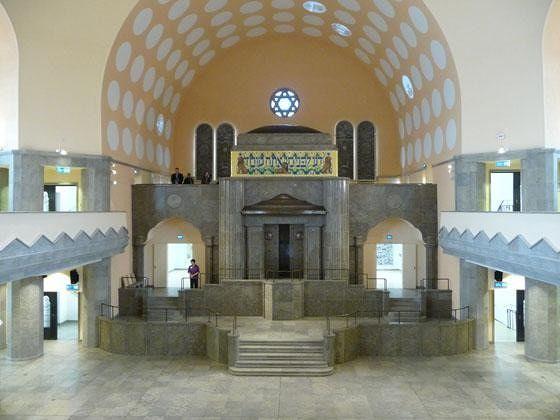 large_4905005-The_Old_Synagogue_Essen.jpg