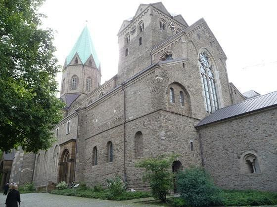 large_4908221-Werden_abbey_church_Essen.jpg