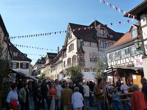 large_4917247-Festival_in_the_old_town_Gernsbach.jpg
