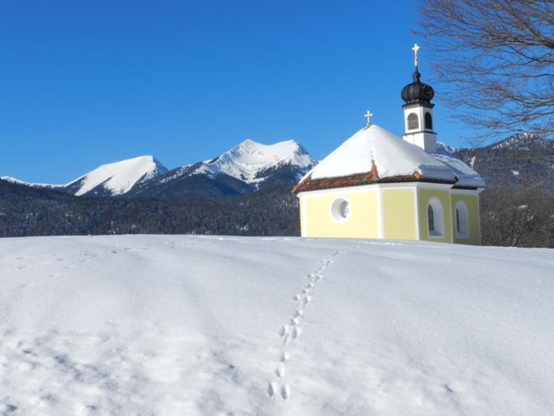 The Hike (3): Little Yellow Chapel - Mittenwald