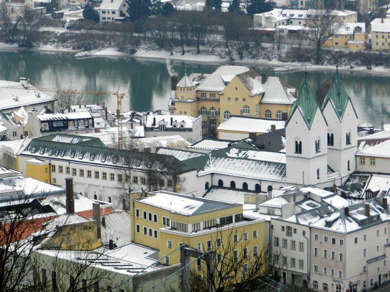 large_523676936753367-Niedernburg_..ela_Passau.jpg