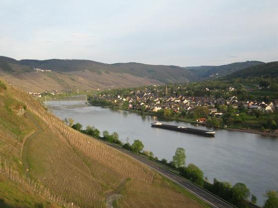 Mosel valley from Rosenberg castle near Zeltingen - Land Rheinland-Pfalz