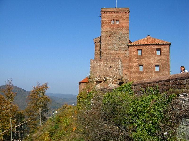 large_5823602-Trifels_castle_Land_Rheinland_Pfalz.jpg