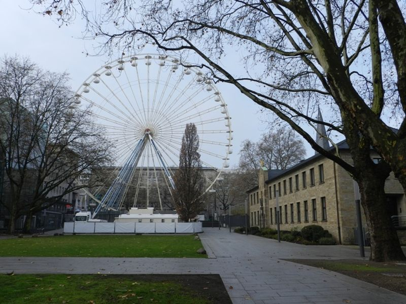 large_6431003-_Essen.jpg