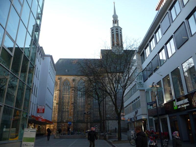 large_6435151-View_from_Westenhellweg_Dortmund.jpg