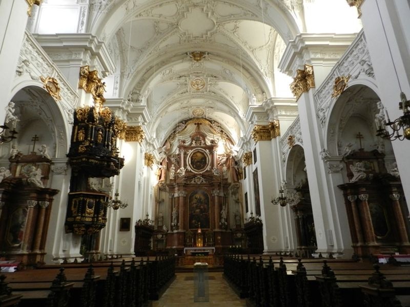 large_6457974-Alter_Dom_Old_Cathedral_Linz.jpg