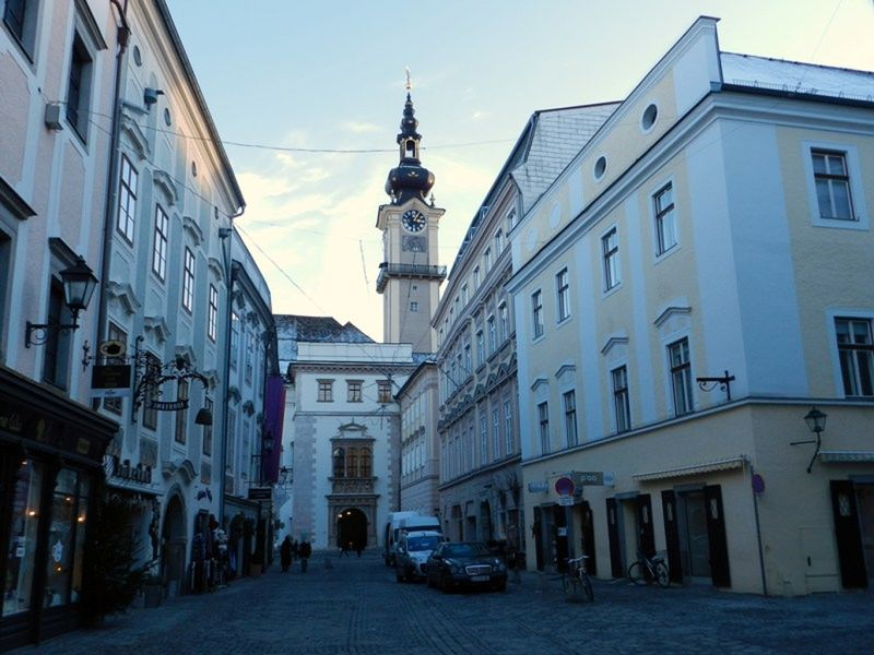 large_6457980-Old_Town_Linz.jpg