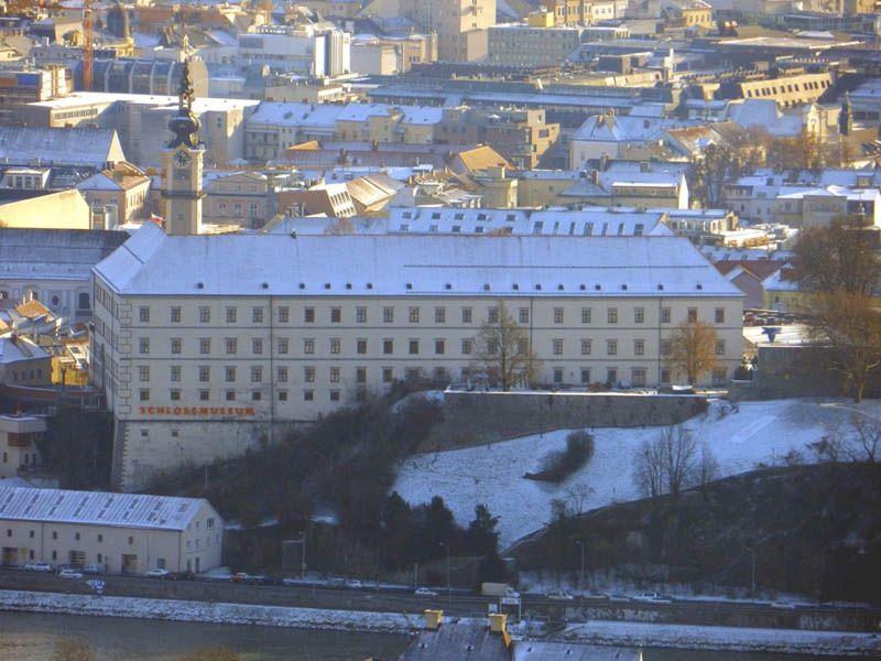 large_6459228-Schloss_Linz.jpg