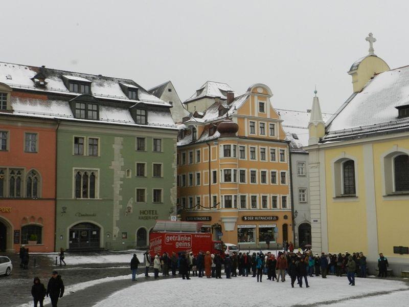 large_6470994-Location_location_location_Regensburg.jpg