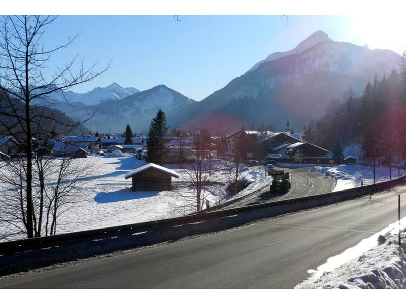 large_6771578-Arriving_in_Mittenwald_Mittenwald.jpg