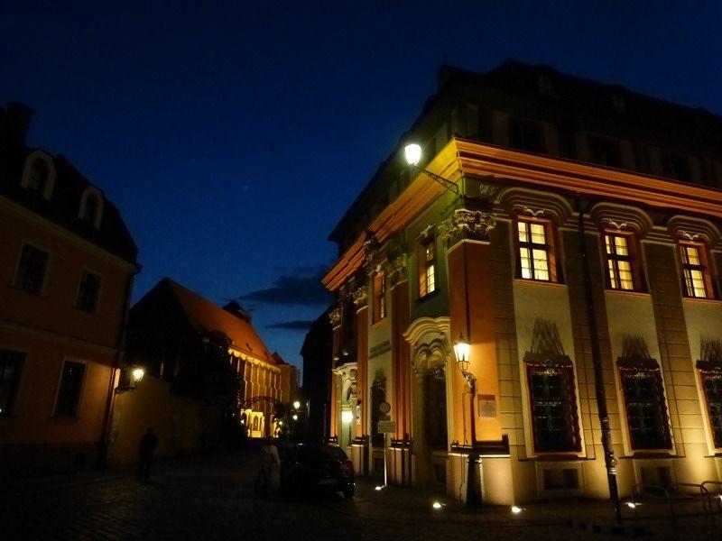 large_7154374-Blue_Hour_in_Ostrow_Tumski_Wroclaw.jpg