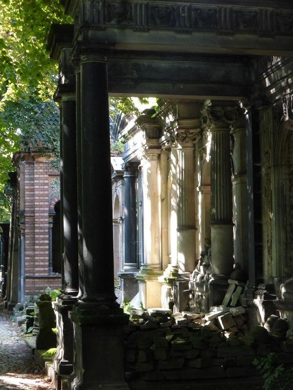 large_7155450-Jewish_Cemetery_Wroclaw.jpg