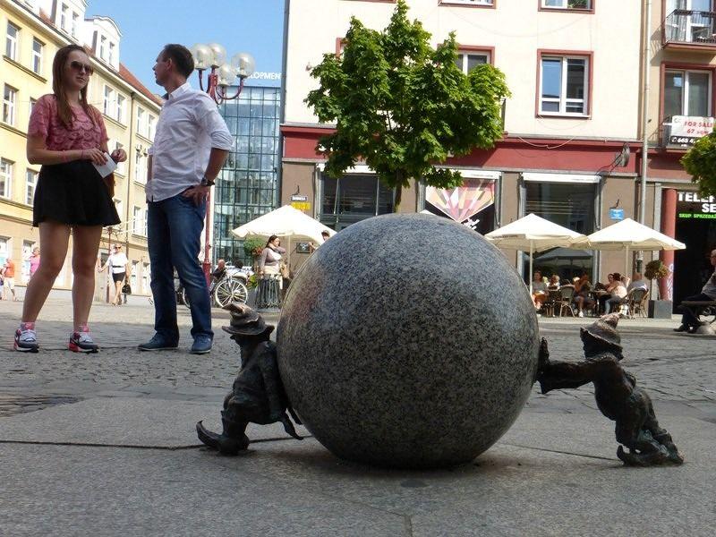 large_7166274-In_ul_Swidnicka_Wroclaw.jpg