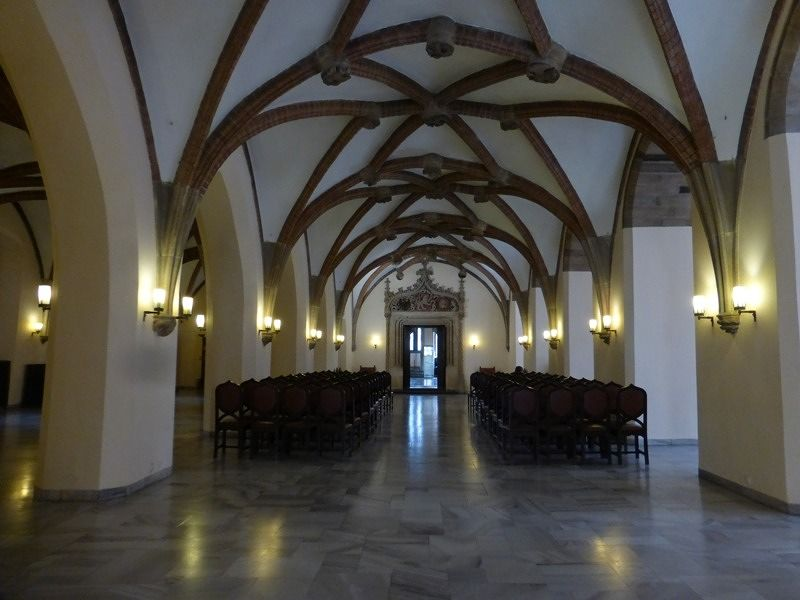 large_7168652-Main_hall_Wroclaw.jpg