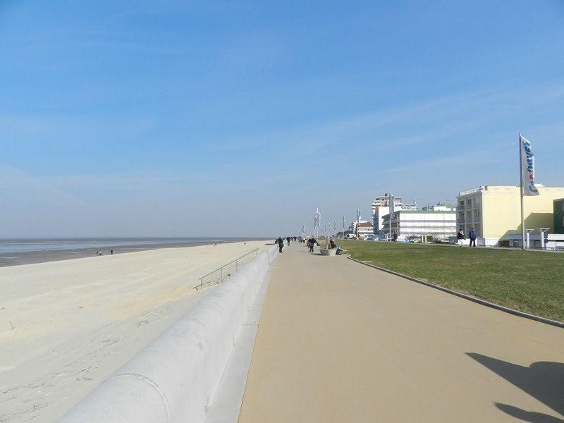 large_7355091-The_Beach_Off_Season.jpg