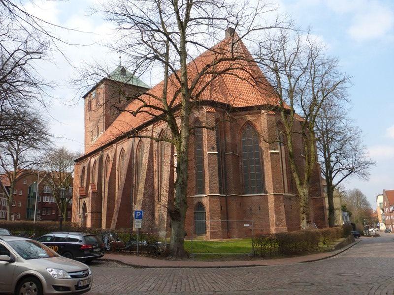 large_7371009-Church_of_St_Wilhadi_Stade.jpg