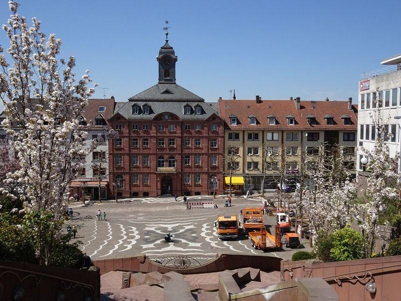 large_7613199-Old_Town_Hall_Pirmasens.jpg