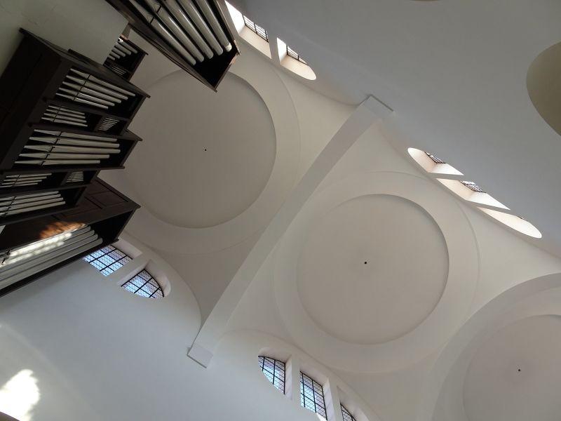 Vaults and organ - Augsburg