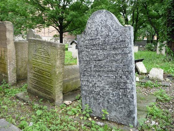 Cemetery around Remuh Synagogue - Krakow