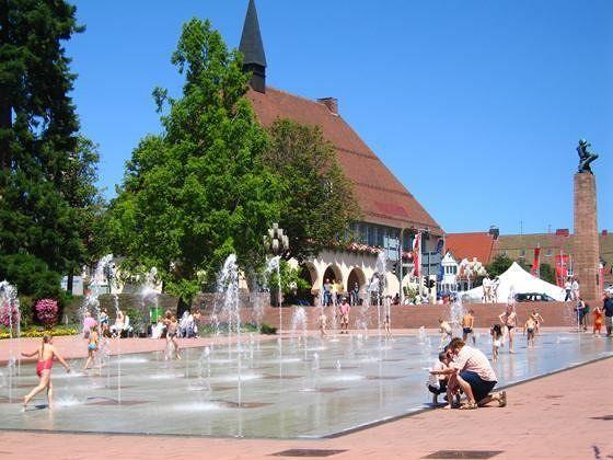 large_878232614296008-Market_squar..eudenstadt.jpg