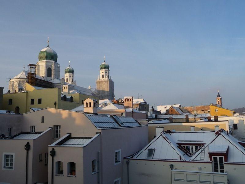 large_977835016495414-Sunrise_on_a..ing_Passau.jpg
