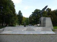 355948997169705-Monument_to_..yn_Wroclaw.jpg