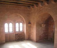 3950485-Trifels_Castle.jpg