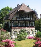 4020998-Schweizerhaeuser_Swiss_Chalets.jpg