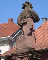 4034367-Jester_fountain_Ettlingen.jpg