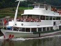 4137653-Cruise_boat_Zell.jpg