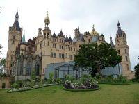 4527494-Schloss_Schwerin.jpg