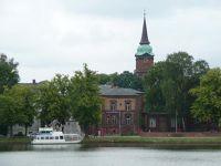 4528868-Ferry_and_Schelfkirche_Schwerin.jpg