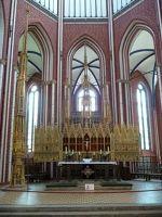 4532484-Main_altar_and_tabernacle_Bad_Doberan.jpg