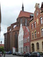 4579554-Nikolaikirche_choir_Wismar.jpg