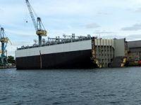 4579619-Half_a_container_vessel_Wismar.jpg