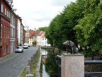 4579646-Piglet_on_Schweinsbruecke_Wismar.jpg