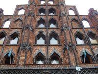 4579658-Alter_Schwede_gothic_gable_Wismar.jpg